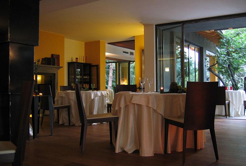 tavoli sala cantina lemine ristoranti bergamo